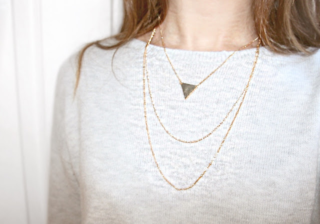 Katherine Penney Chic Blogger Bblogger Beauty Makeup H&M Jewellery White Gold Makeup  bag Pretty Girlie