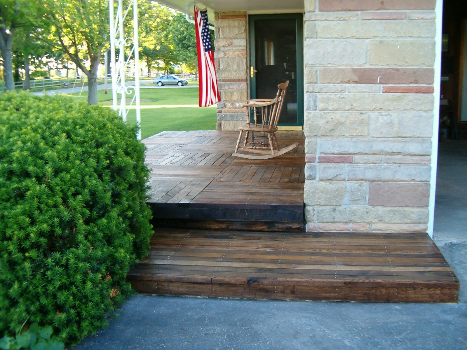 Redo redux revisiting past projects pallet wood front porch solutioingenieria Image collections