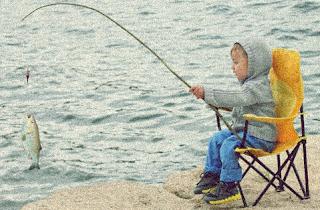 Bocah Jago Mancing Pakai Joran Dapat Ikan Besar