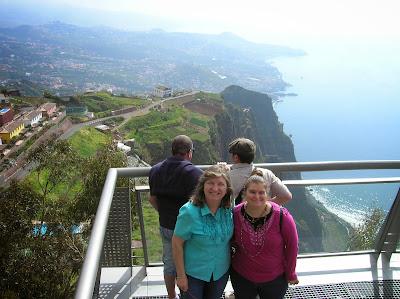 Mirador de Cabo Girao, Miradouro do Cabo Girao, Madeira, Portugal, La vuelta al mundo de Asun y Ricardo, round the world, mundoporlibre.com