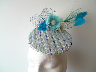 tocado chanel azul plumas ojuilla