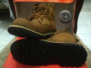 Sepatu boot timberland