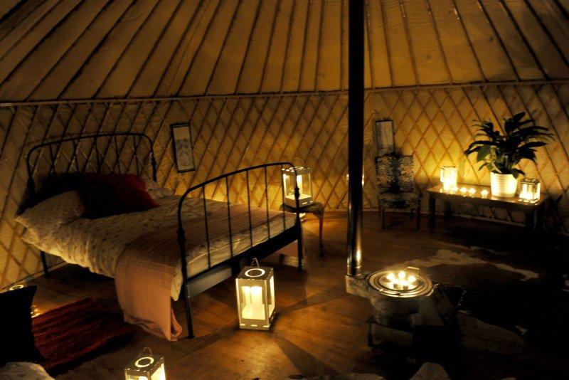 29 new yurt home interior for Yurt interior designs