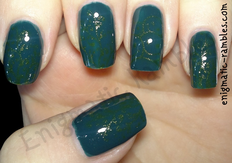 stamping-stamped-bundle-monster-225-304-bm225-bm304-miss-sporty-rain-drop-470-kleancolor-metallic-green-163