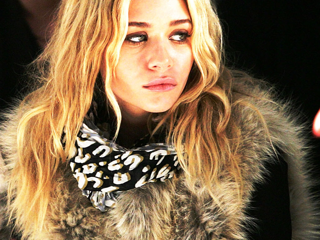 http://1.bp.blogspot.com/-HTOuBPk-oSE/TkSmlAwmQhI/AAAAAAAAPHI/5VUhJsaDJqQ/s1600/MK-A-mary-kate-and-ashley-olsen-3501122-1024-768.jpg
