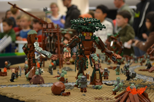 BrickCon 2011 LEGO Lord Of The Rings Sarumon's Fortress 2