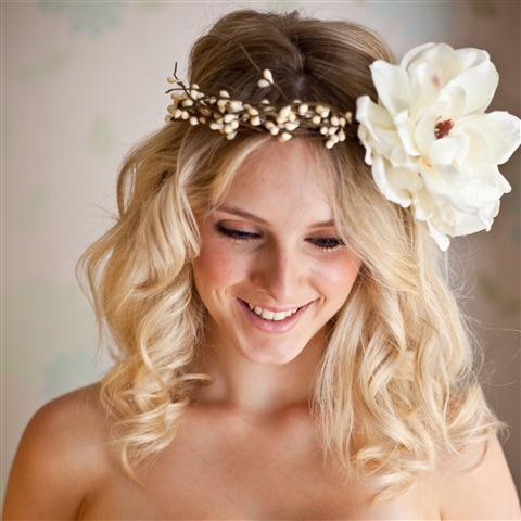 Bridal Hairstyle on Hairstyles 2012  Short Wedding Hairstyles  Best For Your Wedding Day
