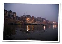 Amanece que no es poco en Varanasi