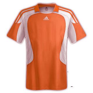 Desain kaos sepakbola warna merah - exnim.com