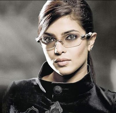 Priyanka Chopra Glamorous Wallpaper for Don 2