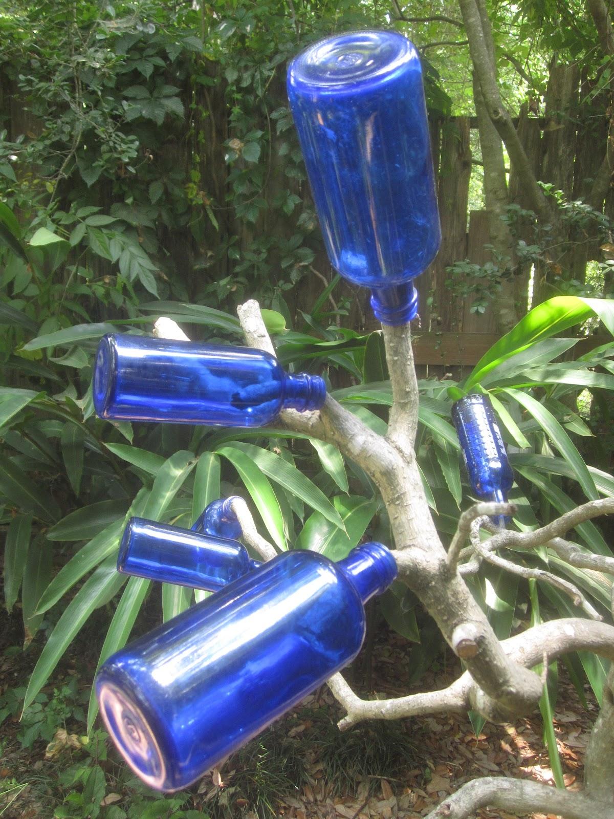 Tropical Texana: LITTLE BLUE BOTTLES FOR A BOTTLE TREE