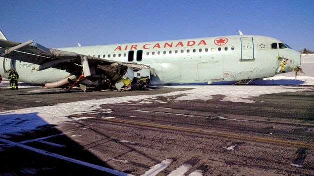 Avi n de air canada se accidenta se sale de la pista al for Interieur avion air canada