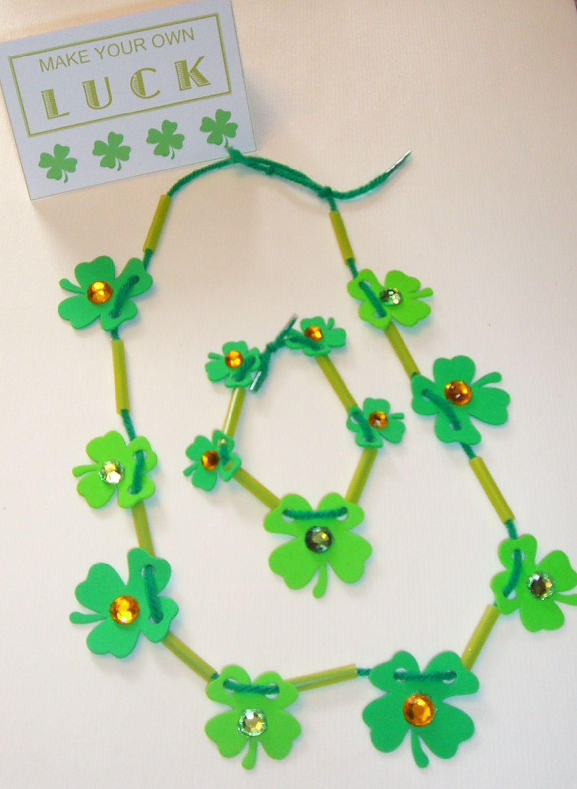 home confetti st pat u0027s jewelry craft with free printable