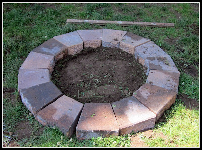 building a fire pit with pavers www.homeroad.net