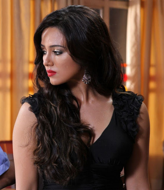 Sana Khan in black dress