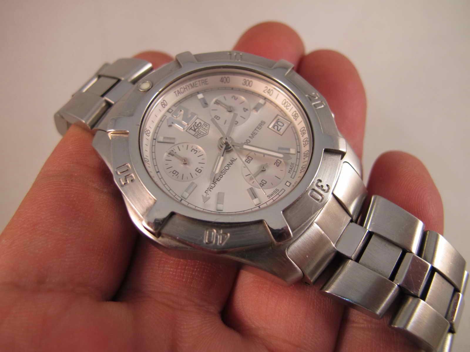Cocok untuk Anda yang memang sedang mencari jam tangan Silver look Swiss made Quartz Nice Tag Heuer Professional 200 meters Chronograph 200