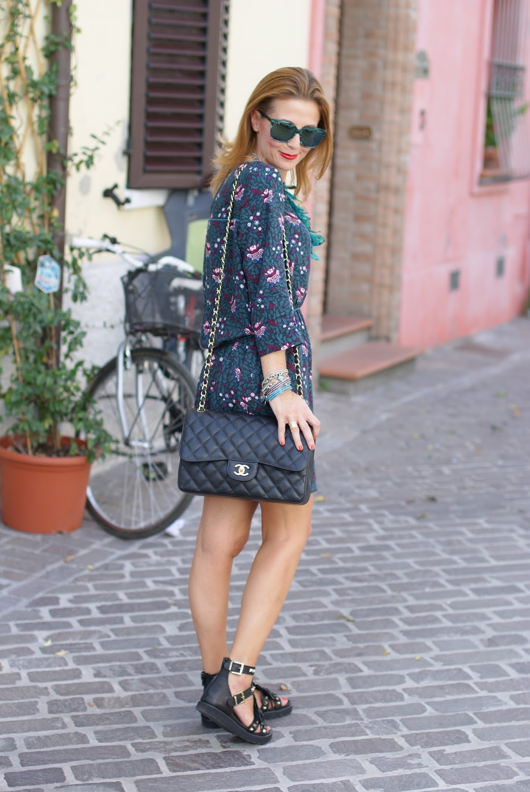 Paramita Magnolia dress and Chanel 2.55 bag on Fashion and Cookies fashion blog, fashion blogger style !