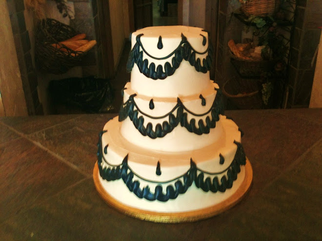 Teardrop_Wedding_Rum_Cake 1099