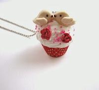 http://de.dawanda.com/product/23542153--Liebes-Voegelchen-Cupcake-Kette