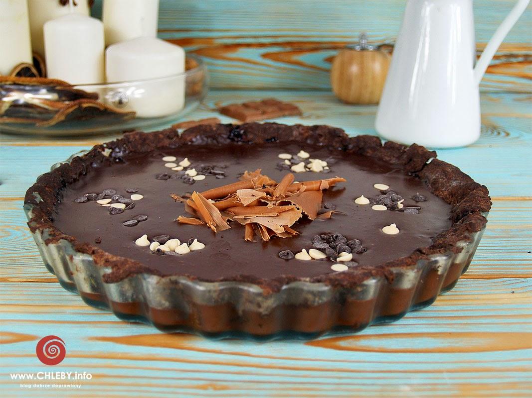 """""""Cukiernia Lidla"""". Tarta czekoladowa z dżemem z czarnej porzeczki"""