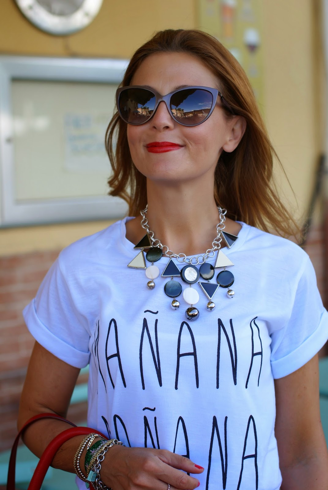 Vitti Ferria Contin necklace, manana t-shirt, Givenchy Pandora in red, Fashion and Cookies, fashion blogger