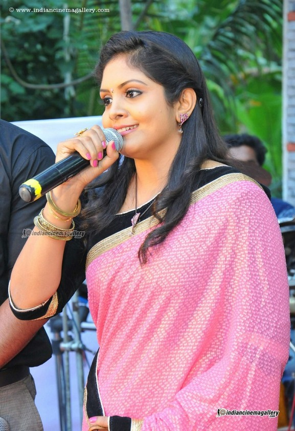 Parasparam fame Gayathri Arun latest photos in saree ...