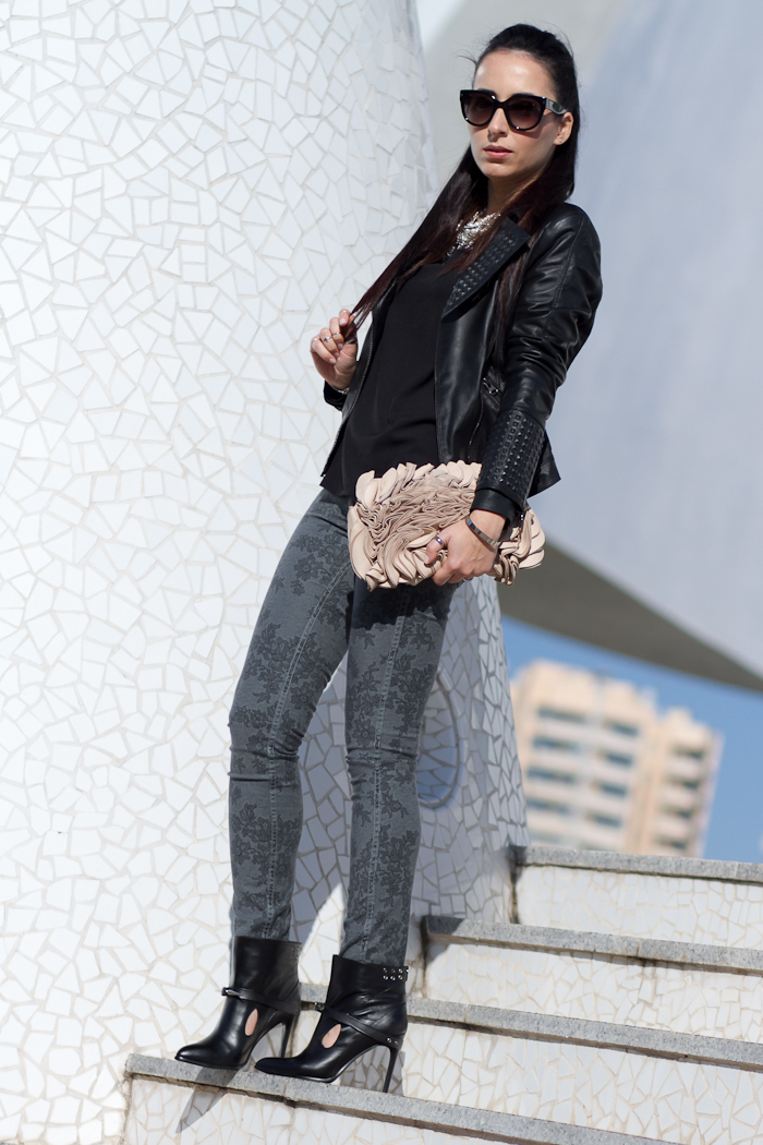 Punk Style Ankle Boots And Meltin' Pot Reversible Jeans