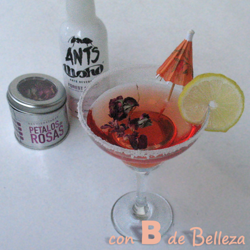 Cocktail Cóctel pétalos de rosa