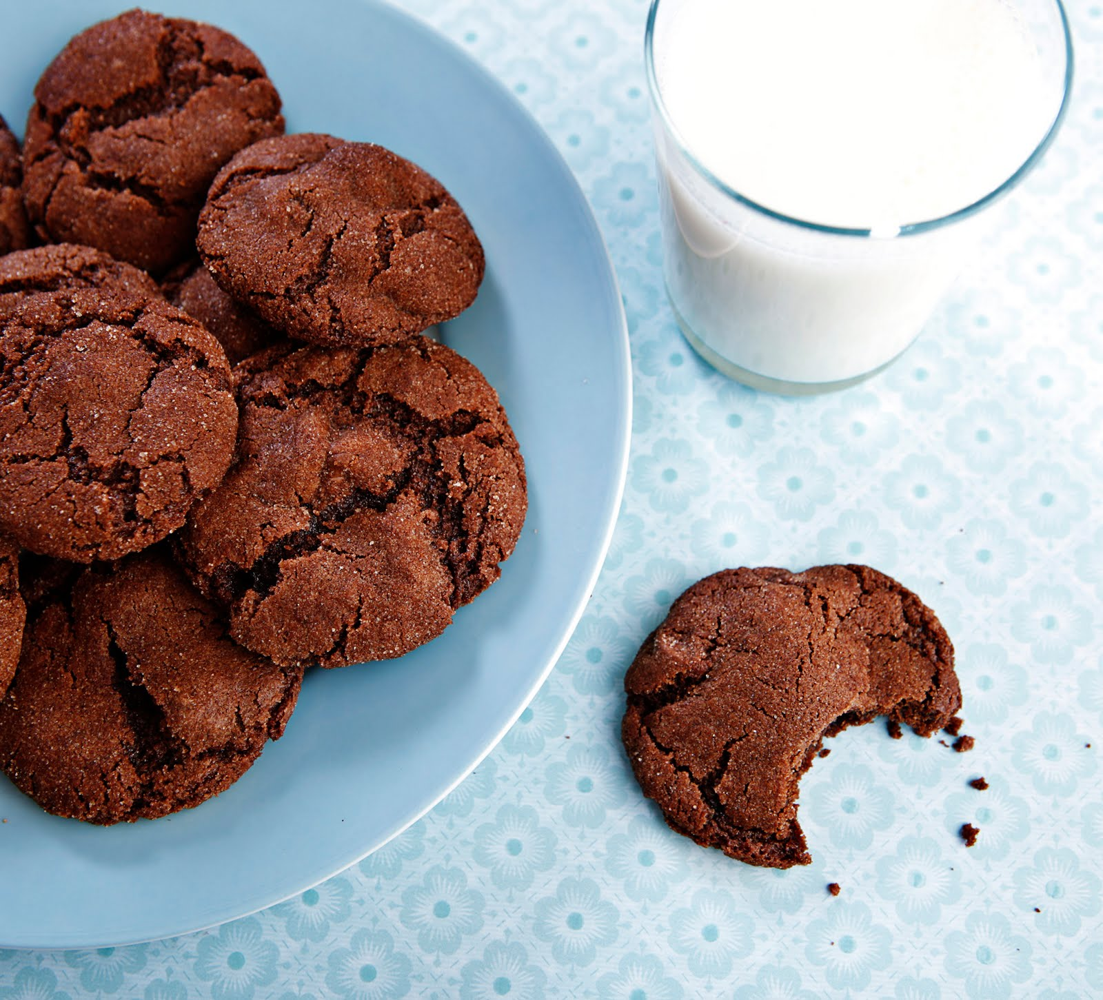 Confessions of a Bake-aholic: Mexican Hot-Chocolate Cookies