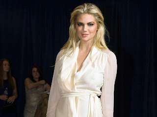 Kate Upton bra-less in 2012 White House Correspondents Dinner UHQ