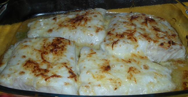 Tu receta del d a merluza al grat n for Cocinar filetes de merluza