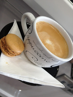 mysalonlooks Hove : coffee and macaroon