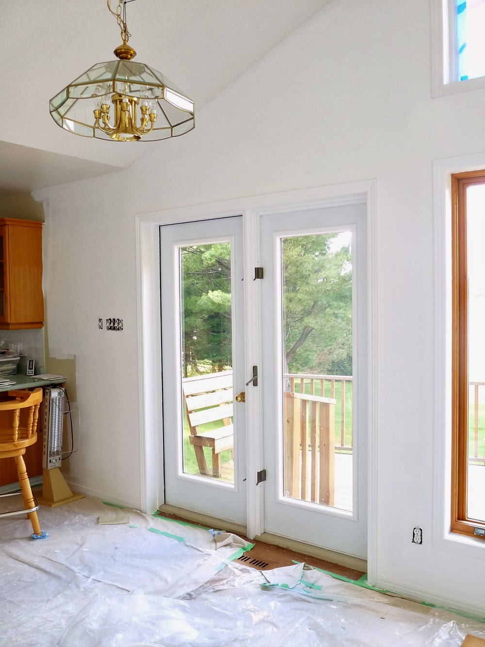 Paint door trim white