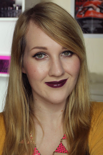 Makeup Revolution Amazing Lipstick - 100% Vamp Swatches & Review