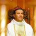 Ladrão 'bate carteira' do bispo em missa