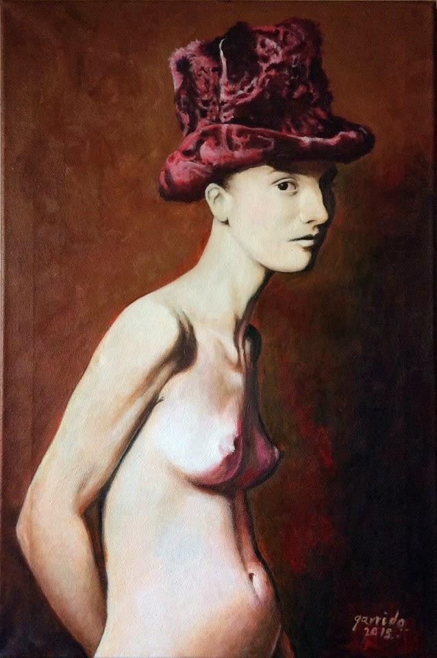 Joven con sombrero de atracan rojo