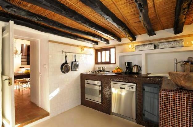 casa de campo en ibiza cocina
