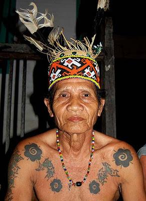 Arti dan Makna Tattoo Dayak Kalimantan