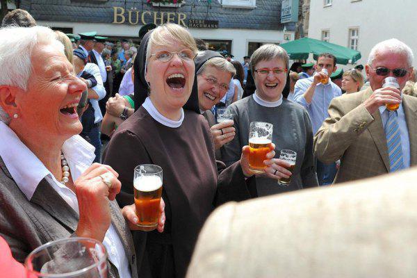 monjas finde cerveza