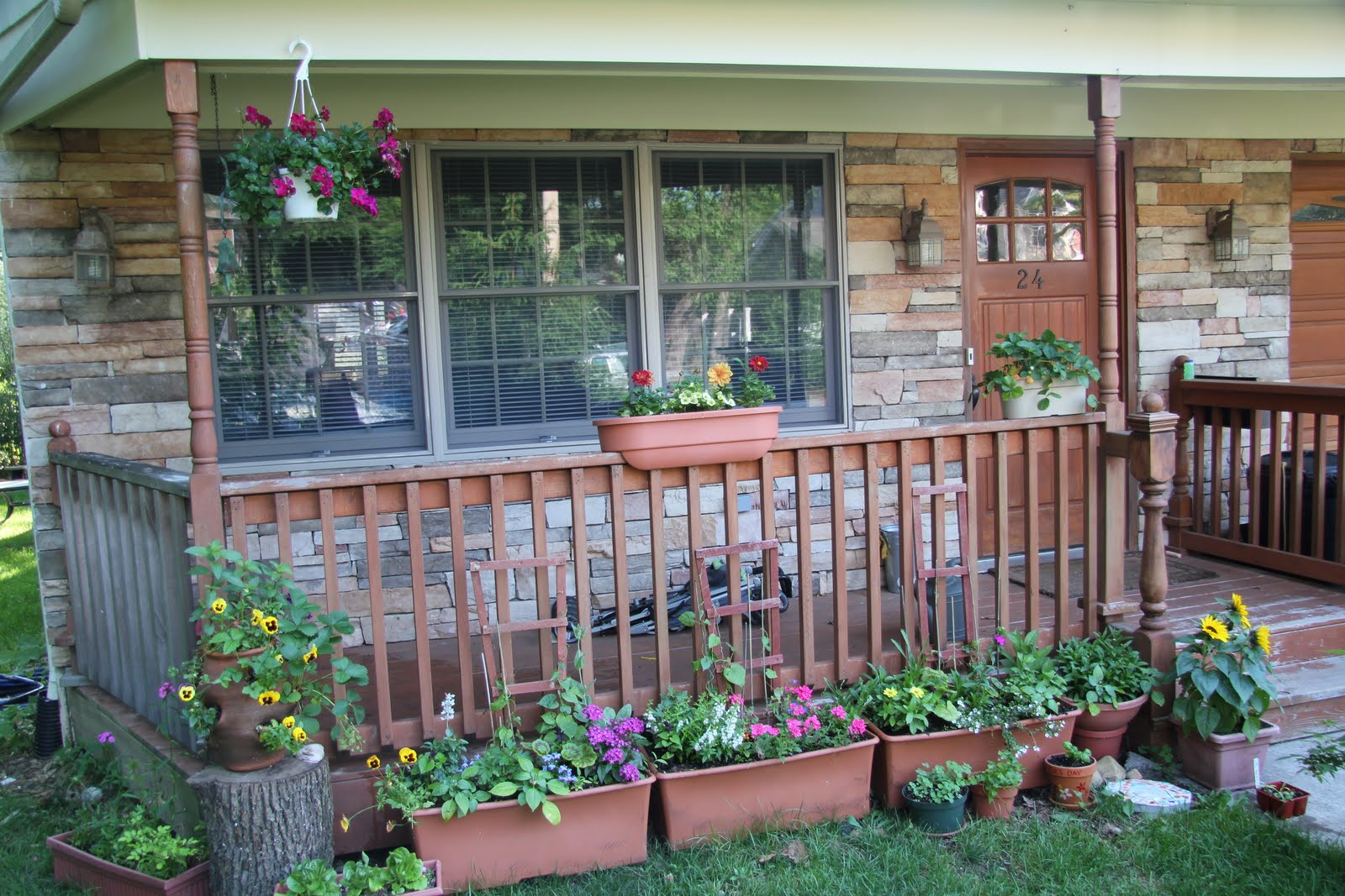 Gardening and gardens what 39 s blooming june for Front porch deck designs