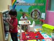 TALLER DE INICIACIÓN A LA MÚSICA. El presente taller está dirigido a niños . banda de musica de jovenes ninos jugando cantando