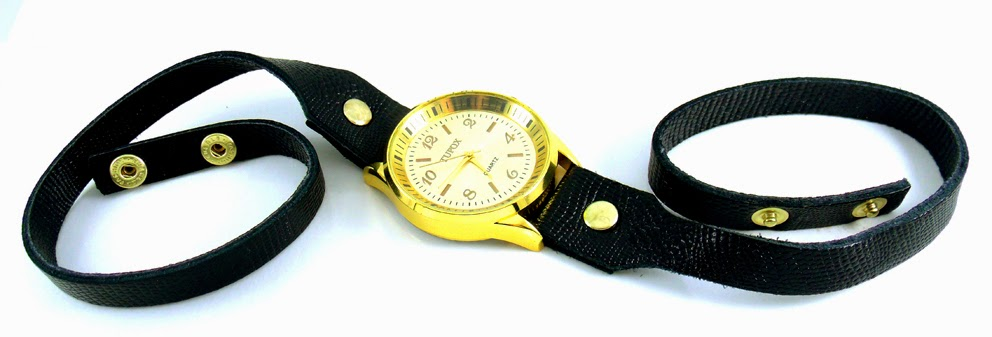 relogio dupla pulseira dourado