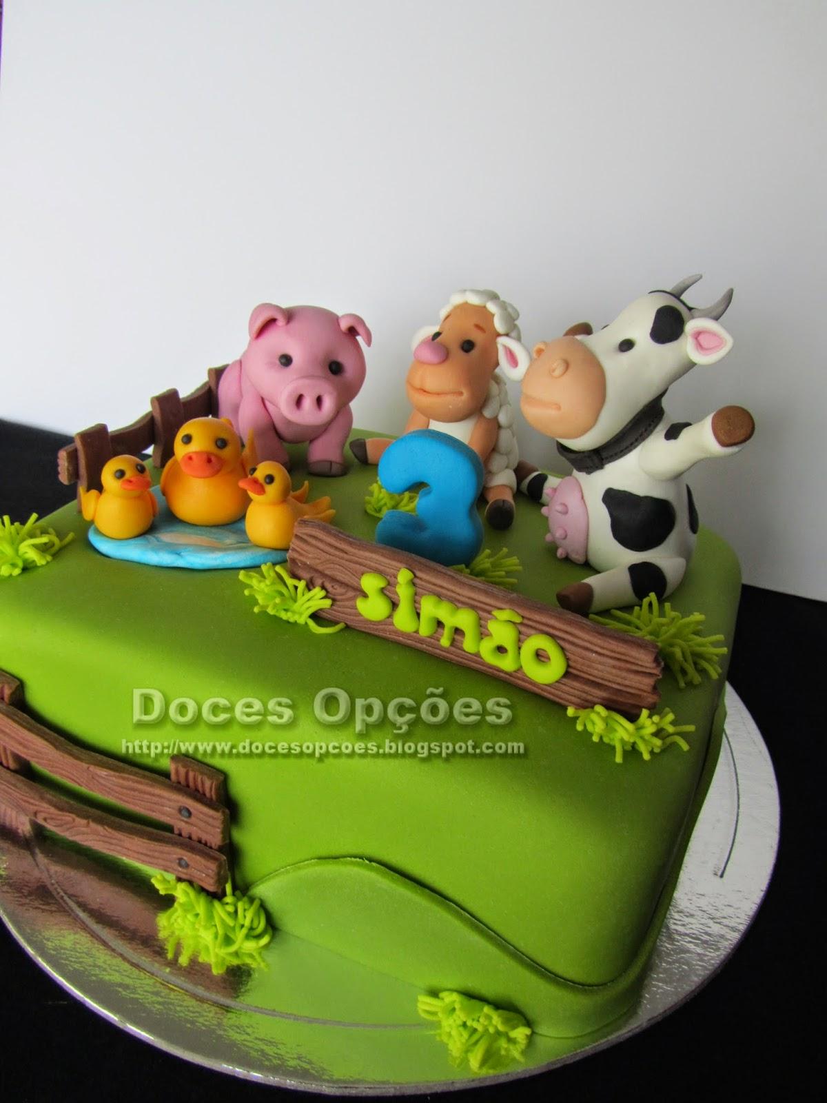 bolo com os animais da quinta do Simão