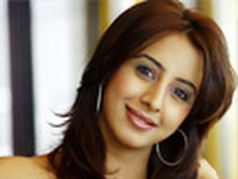 Sanjana, Virat's new girlfriend