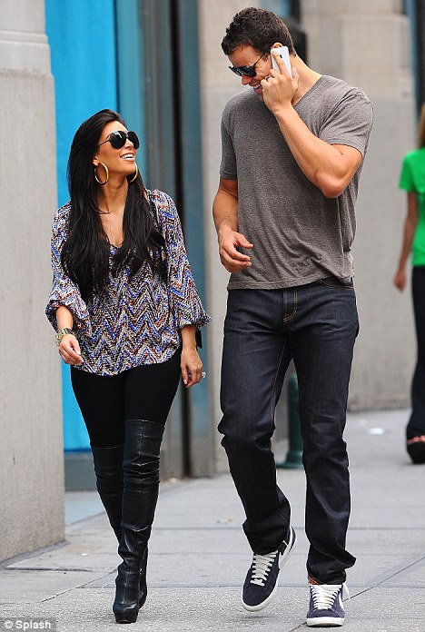 Kim kardashian dating football player from new york jet