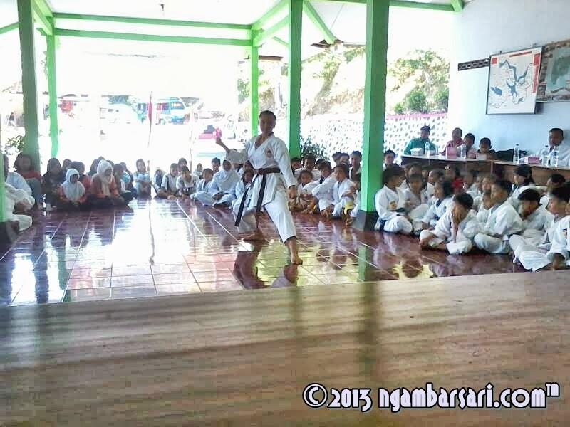 Peragaan Gerakan Karatekata dari Alifa Milanisty