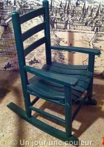 Chaise à bascule avant relooking