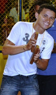 Um jovem conhecido por todos como Dominguinhos Araújo, de apenas 23 anos,