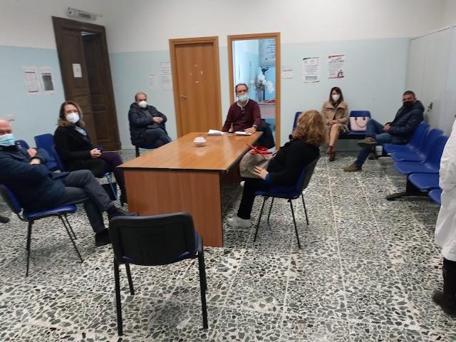 Campagna vaccinale a Maida, il sindaco Paone riunisce i medici, i direttori del Polo sanitario e del Consultorio