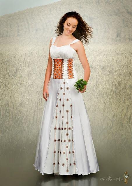 Вишивана сукня нареченої від студії Гойра, Львів, Україна